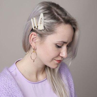 Driehoekige Haarclip Oldskool Pearls haarpinnen haaraccessoires parels trends 2019 haar klips dames details