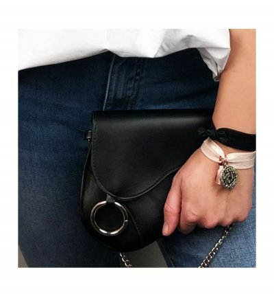 Heuptas Saddle zwart zwarte asymmetrische heuptas fannypack bumbag zilveren kettinghengsel ring kopen clutch