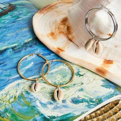 Oorbellen Festival Fantasy zilveren zilver gouden oorhangers grote ronde creolen schelp bedel kopen detail