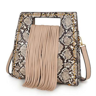 Handtas Snake Fringe beige creme nude vierkante slangenprint tassen met fringe franjes gouden studs giuliano tassen online kopen luxe trendy
