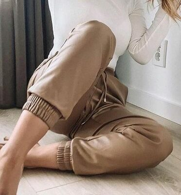 Khaki Leren Jogger faux leather jogger dames broeken trendy joggingbroek leer bestellen fashion