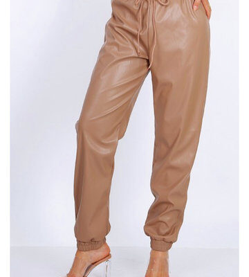 Khaki Leren Jogger faux leather jogger dames broeken trendy joggingbroek leer kopen fashion 1