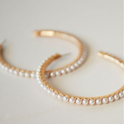 Oorbellen Pearl Hoops goud gouden oorbel met parels oorringen yehwang earrings trendy kopen bestellen