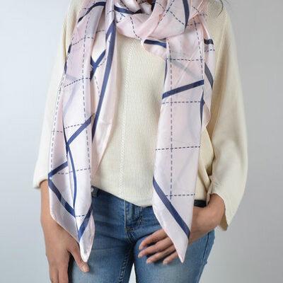 Sjaal Perfect lines roze pink sjaal blauwe lijnen trendy fashion sjaals dames classy giulliano
