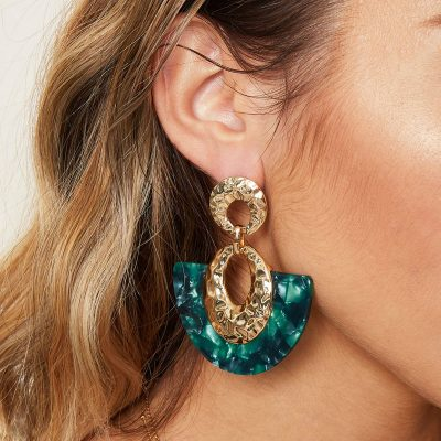 Statement oorbellen Sickle Moon groen groene goud gouden new fall colors dames oorbellen earrings kopen bestellen musthaves