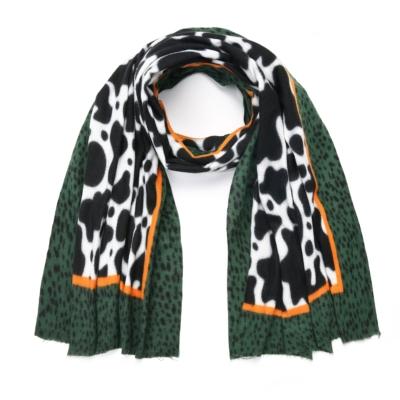 Sjaal Happy Koe groen groene multi print warme zachte print sjaal