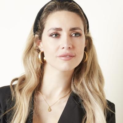 Oorbellen My Lily goud gouden dames oorbellen sieraden rvs kopen bestellen grote creolen trendy trends detail