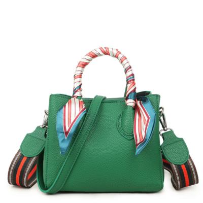 Handtas Pretty Special groen groene handtassen extra gekleurde schouderband & sjaaltje schoudertassen kopen bestellen