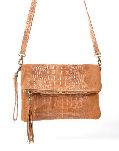 Leren-Kroko-Clutch-Must-beige-camel bruin bruine lederen-leer-clutches-schoudertassen-met-kwastje-ritssluiting-musthave-leren-tassen-bestellen-600x600