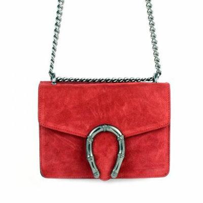 Suede-Tas-Hoefijzer-rood rode-kleine-leren-schoudertassen-met-kettinghengsel-en-hoef-ijzer-sluiting-musthave-giuliano-tas-