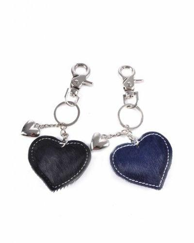 leren-sleutelhanger-hartjes-zwart-zwarte-koeienhuid-leder-zilveren-sleutel-hangers-online-bestellen-