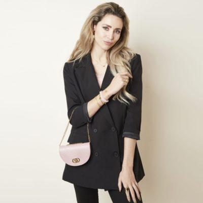 Schouder & Beltbag Perfect Croco roze pink trendy riemtassen fannypack buideltasjes met schakelketting festival fashion bestellen detail1