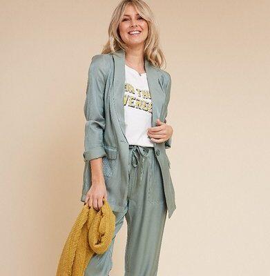 Blazer Pretty Pastel Groen groene lange blazers zijde dames kleding trendy lichte blazers jasjes kopen bestellen fashion