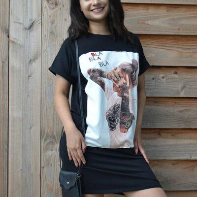 T Shirt Dress Bla Bla Bla zwart zwarte lang shirt truitje met trendy fashion print dame tattoe tekst kleding online modemusthaves kopen bestellen