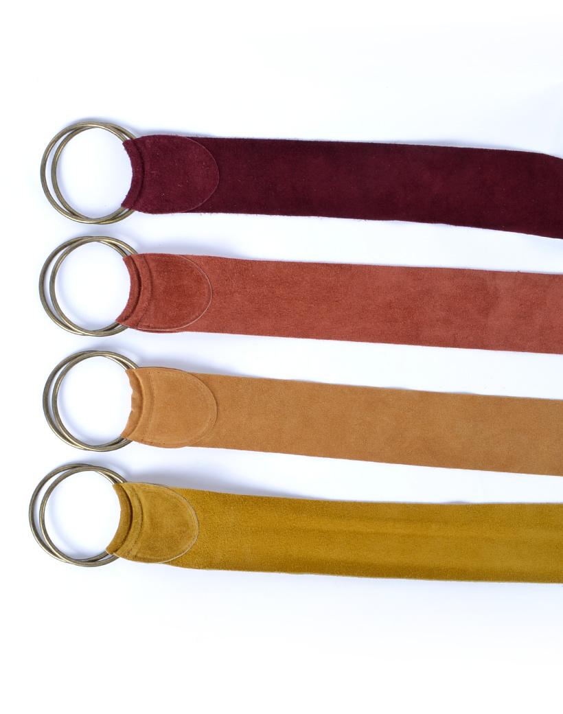 Suede-Riem-Zilveren-Gesp- donker bruin-terra camel-geel brede-suede-leren-riemen-zilver-gesp taille riemen kopen bestellen