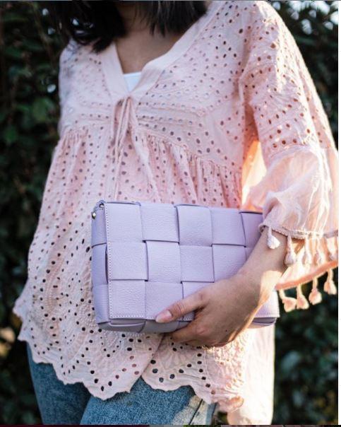 Leren-Tas-Big-Braided-lila paars-leer-look-a-like-gevlochten-leren-schoudertassen-met-binnentas-kopen-fashion