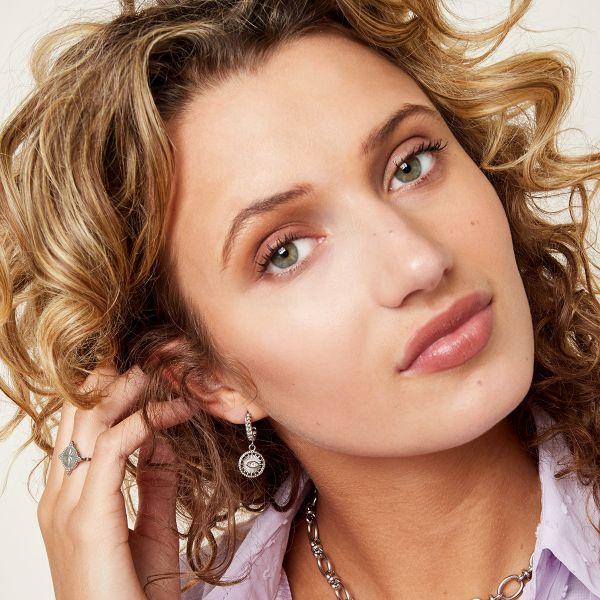 Oorbellen Eye See zilver zilveren oorbellen oogbedel diamand trendy dames yehwang sieraden kopen bestellen detail