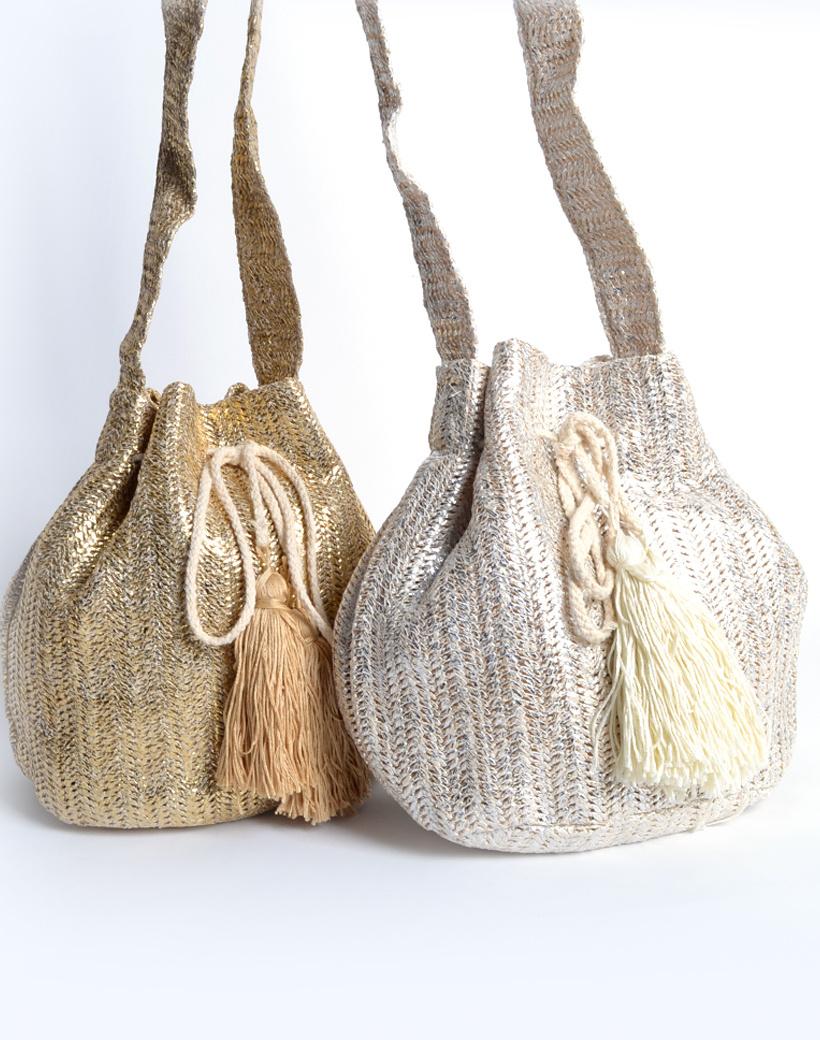 Buideltas Metallic Love trendy gouden en zilveren geweven buideltasjes met kwastjes musthave fashion bags kopen bestellen