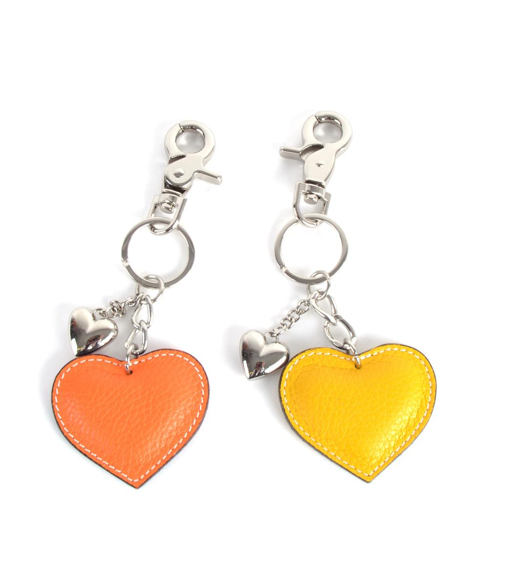 Leren-sleutelhanger-hartjes-geel gele oranje orange leder-leer tassen hangers zilveren-sleutel-hangers-online-bestellen