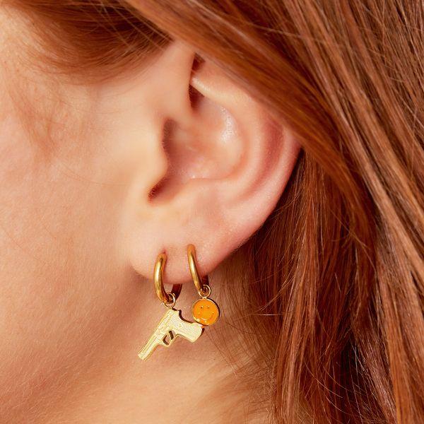 Oorbellen Gun goud gouden dames oorbel earrings met pistool bedel sieraden trendy fashion kopen bestellen yehwang