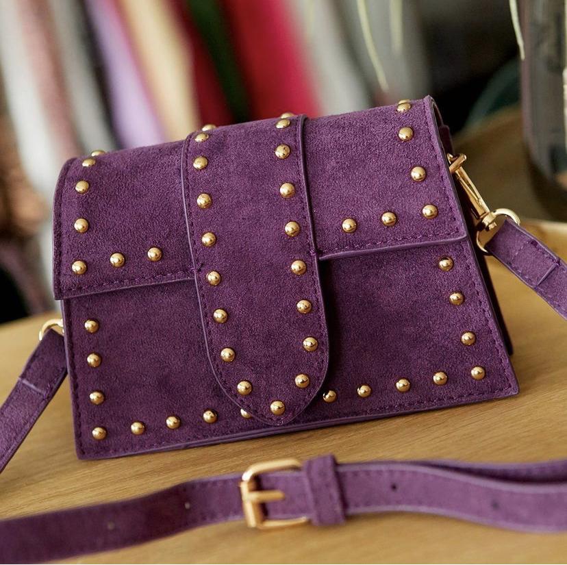 Schoudertas Pretty Studs paarse paars suede suedine tassen gouden studs kpen bestellen achter